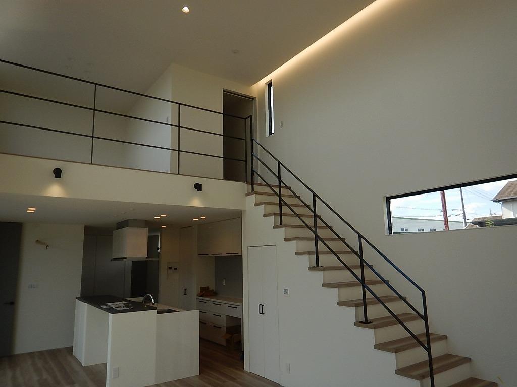 キッチン・階段