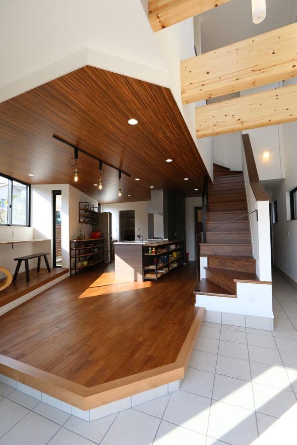 階段・リビングルーム